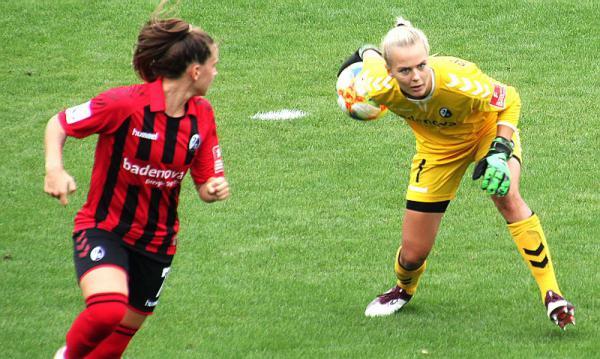 Torhüterin Merle Frohms im Aufgebot der Frauen-Nationalmannschaft für Partie gegen England