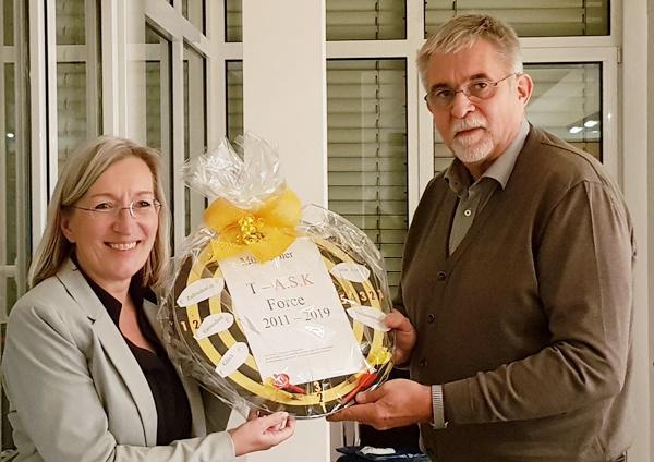 """""""The Game isch over!"""" Gemeinderat verabschiedet Bürgermeisterin Astrid Siemes-Knoblich  Foto: Stadt Müllheim"""