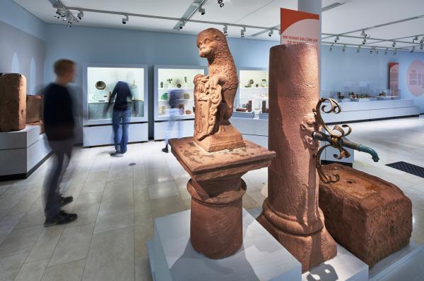 900 Jahre Freiburg: Große Archäologie-Ausstellung im Augustinermuseum  Blick in die Ausstellung  Foto: Axel Kilian