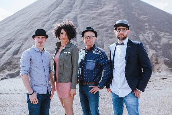 Desirée Lobé Band Foto by Ralf Gingter