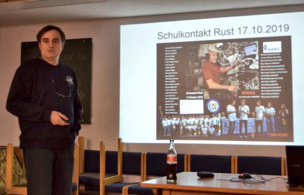 Matthias Bopp präsentierte spannende Einblicke zu den Funkkontakten über Satelliten und zur Internationalen Raumstation.