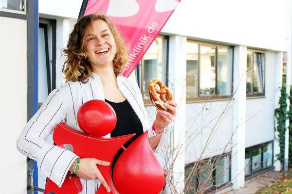 """""""Frühstückchen"""" für Blutspender in Freiburg. Um nach der Blutspende wieder Energie zu tanken gibt es für Spender im Januar ein Minifrühstück in der Blutspendezentrale des Universitätsklinikums Freiburg.  Foto: Universitätsklinikum Freiburg"""