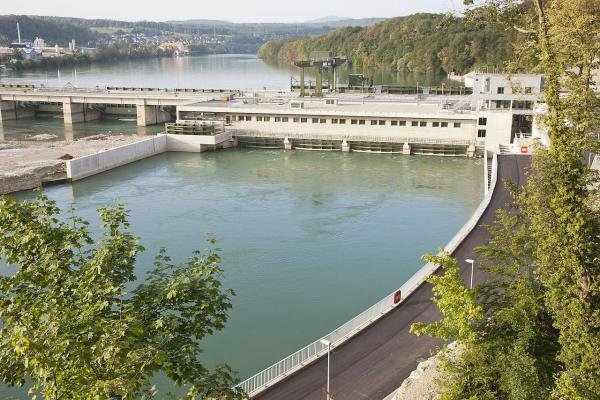 Nächster Schritt für den Klimaschutz - Die Energiedienst-Gruppe ist jetzt klimaneutral. Wasserkraftwerk Rheinfelden.  Foto: Energiedienst Holding AG