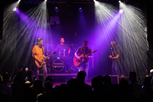 Chasing Mondays: Vorstellung des Debut-Albums Lihgt Years im KULA in Konstanz