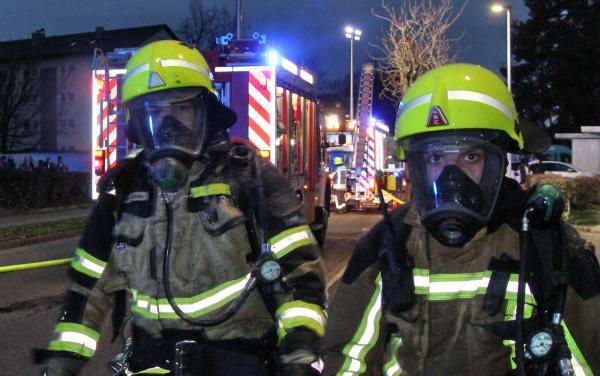 """Feuerwehreinsatz: Zimmerbrand im Dachgeschoss eines Mehrfamilienhauses in Emmendingen  Bild: Reinhard Laniot / REGIOTRENDS-Lokalteam """"EM-extra"""""""