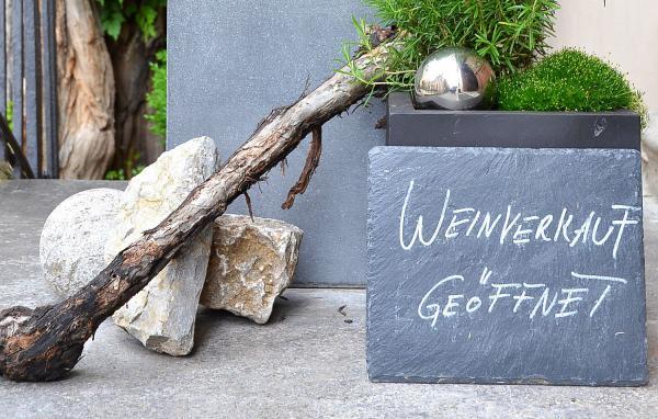 Ab sofort: Landesregierung erlaubt Wiedereröffnung von Vinotheken.  Foto: Badischer Weinbauverband e.V. - DWI