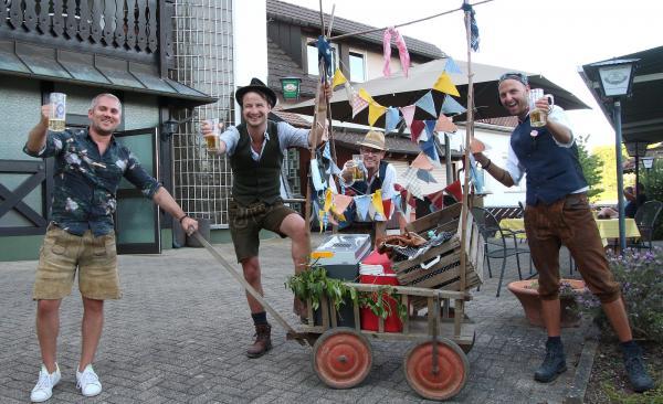 """""""Vatertag 2020"""" - Rarität: Bollerwagen!   Bild: FSRM"""