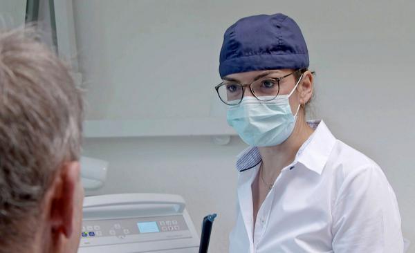 """3. Juni: """"Zwischen Forschung nach Heilmitteln und Praxisalltag"""" - Zwei Corona-Sondersendungen im SWR Fernsehen.  Foto: Südwestrundfunk"""