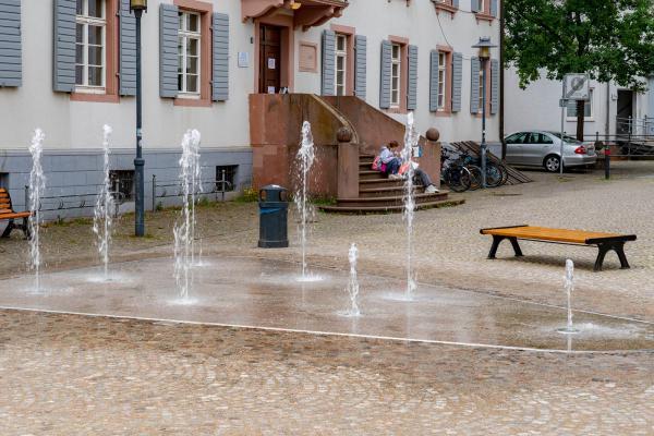 Wasserspiele auf dem Landvogteiplatz sind fertig!  REGIOTRENDS-Foto: Jens Glade
