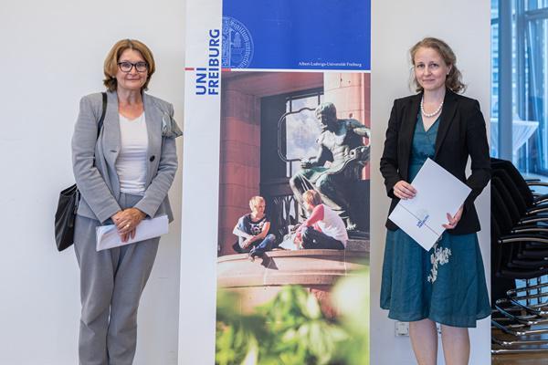 Die Universität Freiburg zeichnete Maria Asplund mit dem Bertha-Ottenstein-Preis 2020 aus  Bild: Jörg Blum/Universität Freiburg