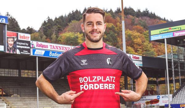 """Fußball: """"Bolzplatz-Förderer"""" - Sport-Club Freiburg spielt gegen Mainz (22. November) im Sondertrikot.  Foto: SC Freiburg"""