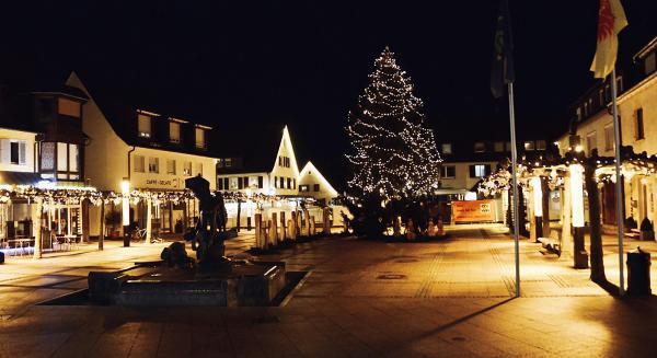 Neuenburg im Advent 2020  Bild: Lena Scherrer