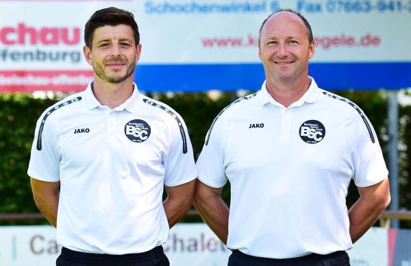 Trainer-Duo Bührer und Siefert verlängert bei Bahlinger SC. Trainieren auch künftig den Regionalligisten Bahlinger SC: Dennis Bührer (links) und Axel Siefert.  Foto: Bahlinger SC - Stoll