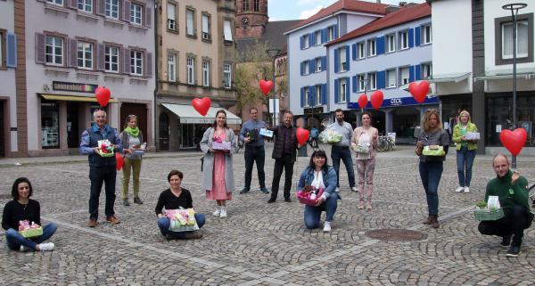 """Kreative Geschenke zum Muttertag! - Ab sofort: """"Emmendinger Muttertagsbox"""" in Geschäften in der Innenstadt! Die teilnehmenden Geschäfte freuen sich auf ihre Kunden!   Bild: Reinhard Laniot / """"EM-extra""""- Das RT-Lokalteam Emmendingen"""