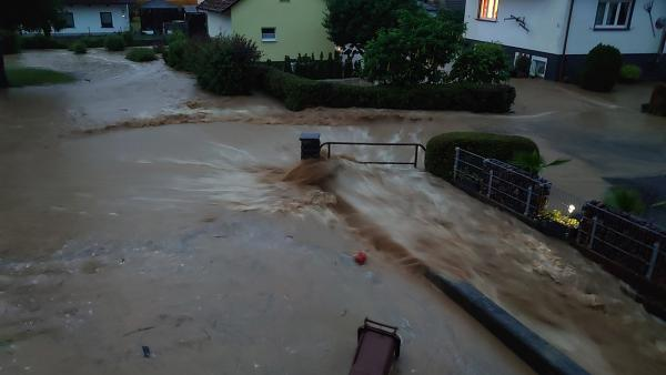 Unwetter in Lauchringen (Kreis Waldshut)  Bild: kamera24.tv