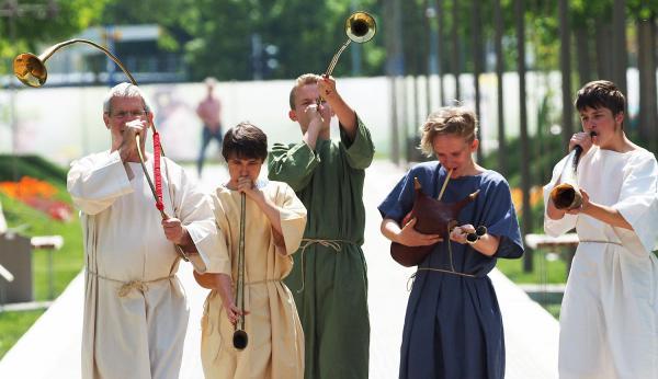 13. Juni: Gallo-römische Matinee in Lahr - Musik und Kulinarik bei der Römeranlage. Römische Musikinstrumente.  Foto: Stadt Lahr - Detlef Lingner
