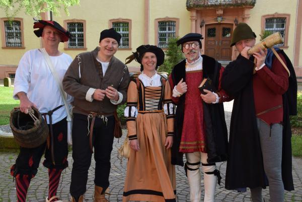 Des Torwächters Weib startet am 9. Juli in die Saison und begegnet auf ihrer mittelalterlichen Tour in Waldkirch einigen damaligen Zeitgenossen