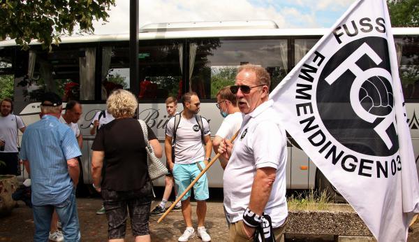 """Rund 250 Fans unterstützten den FCE beim Finale - Eingesetzt wurde auch ein Fan-Bus, der am Elzstadion startete.  Bild Reinhard Laniot / """"EM-extra"""" - das REGIOTRENDS-Lokalteam Emmendingen"""
