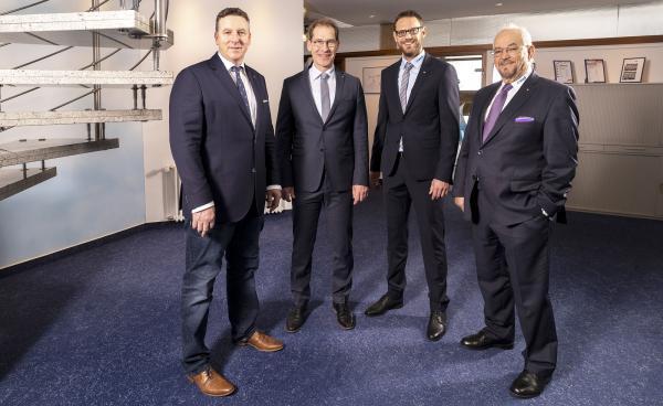 Führungsteam - Von links: Uwe Deboben, Geschäftsführer Christian Gutmann, Geschäftsführer Markus Wolf, Firmengründer Karl-Heinz Bertsch