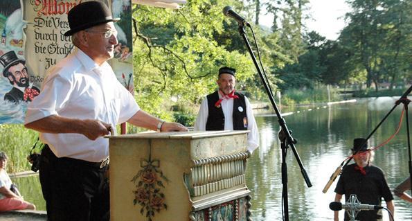 Drei Nationen werden ihre Drehorgeln in Waldkirch zum Klingen bringen  Foto: Stadt Waldkirch