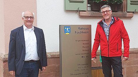 Grünen-Landtagsabgeordneter Alexander Schoch (links) war zu Gast in Forchheim - Erstes Gespräch mit Bürgermeister Christian Pickhardt geführt.  Foto: Büro Alexander Schoch