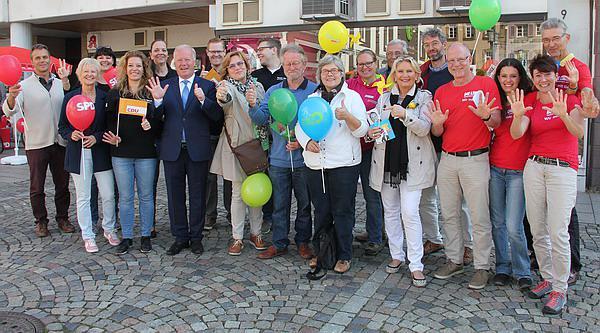 """Blick zurück: Der Tag vor der Wahl 2017! Traditionelles """"Wahlkampf-Abschlussfoto"""" auf dem Emmendinger Marktplatz!  Auch wieder 2021?"""