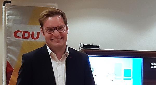 Direktmandat geht an Yannick Bury (CDU) mit 92 Stimmen Vorsprung. Gefeiert wurde dies in Malterdingen  (Bild: CDU-Kreisverband)