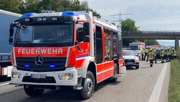 Einsätze für die Feuerwehr Emmendingen. Absicherung Verkehrsunfall auf Autobahn.  Foto:  Feuerwehr Emmendingen