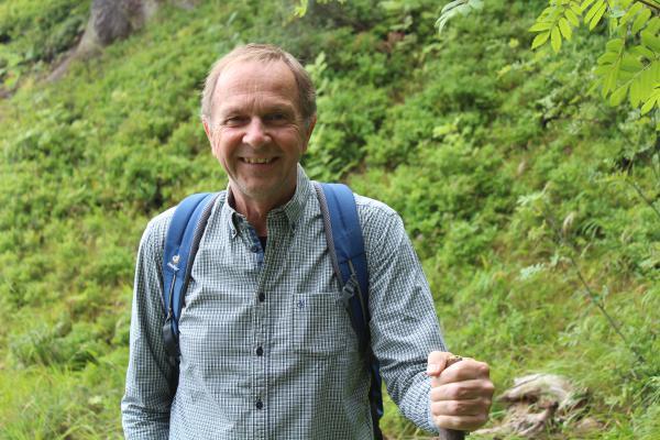 """30. Oktober: Wandern auf der St.Gallus-Route Heimbach. """"Raus mit Klaus"""" – Raus geht's mit dem langjährigen Moderator des SWR-Wandertreffs Klaus Gülker auf dem St. Gallus-Weg in Heimbach."""