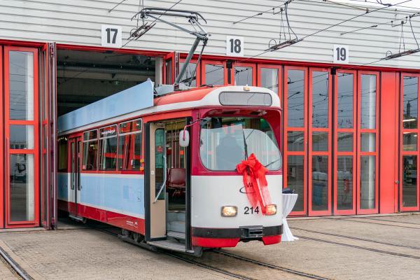 Vier alte Straßenbahnzüge in Freiburg finden eine neue Verwendung.  REGIOTRENDS-Foto: Jens Glade