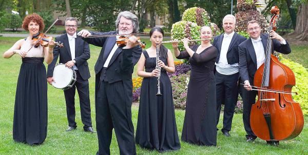 """24. Oktober: Saisonabschlusskonzert des """"Johann-Strauß-Ensemble"""" (Bild) in Bad Krozingen.  Foto: Kur und Bäder GmbH Bad Krozingen"""